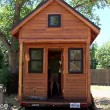 tiny-house-couple-living01