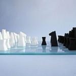 3Dプリンターで作られたモダンなデザインのチェスセット