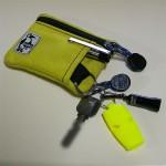 ポケットに入れる物をひとまとめに持ち歩ける CHUMS エコ キーコインケース