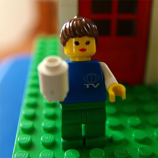 lego-blue-bucket-4