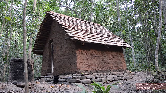 building-a-tiled-roof-hut-10