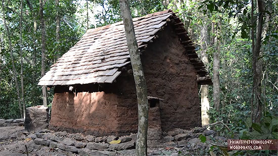 building-a-tiled-roof-hut-11