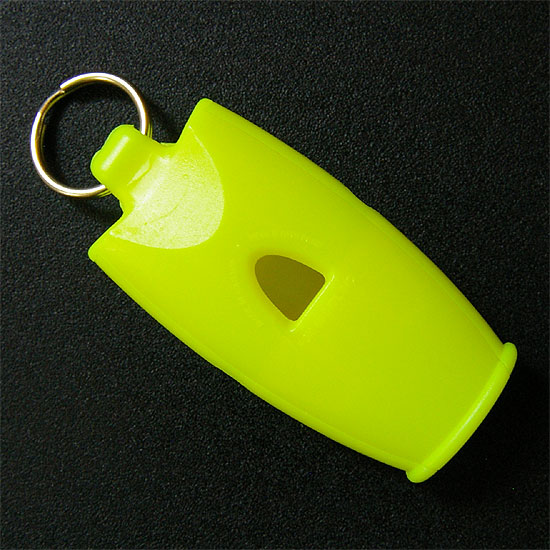 fox40-micro-whistle-2