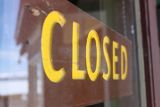 aquarium-shop-closed