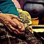 老化や経年変化を受け入れる勇気 アンチエイジングは必ずしも美しさをもたらさない